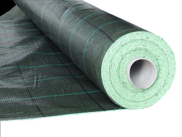 Agrojutex, černo-zelená tkaná mulčovací textilie